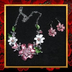 NWOT Flower Necklace & Earring Set  #JWL-725